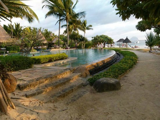 La Pirogue Resort & Spa:                   la piscine