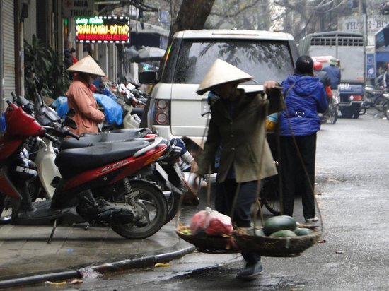 Hanoi Charming 2 Hotel: Alrededores del Hotel