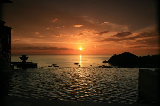 Pimalai Resort and Spa :                   Sunset at the Top Pool