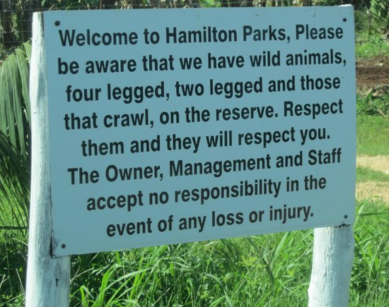 Hamilton Parks Country Lodge: Welcome sign!