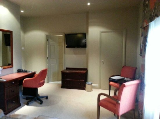 The Belmont Hotel:                   room 220