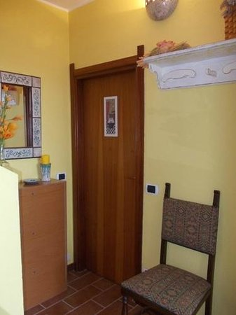 B&B La Sciguetta: ingresso bagno/bathroom entrance/Badeingang