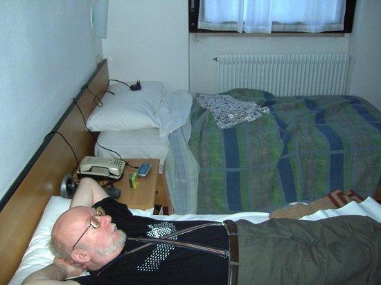 hotel dolomiti:                   Die Zimmer waren grottenschlecht