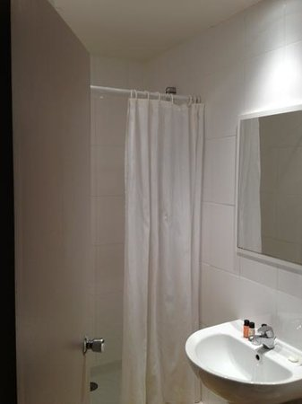 Avalon Hotel Paris:                   Bagno 1