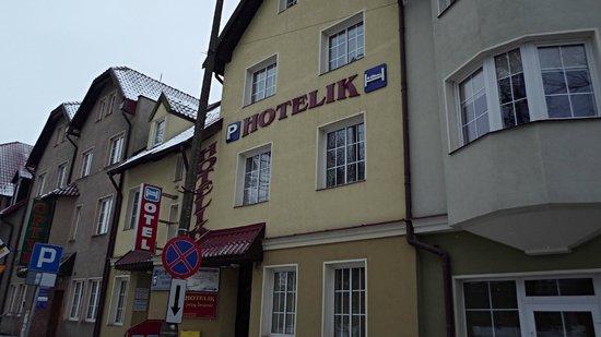 Hotelik Przy Bramie:                   widok od ulicy