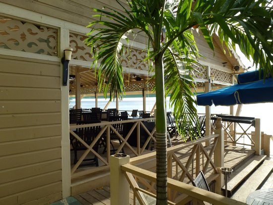 Sugar Cane Club Hotel & Spa: Mullins Beach