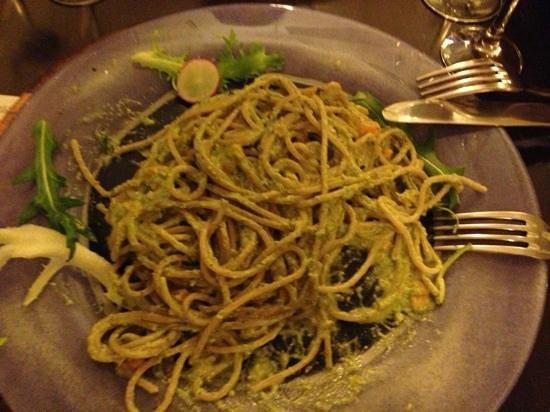 ZenZero BioRestaurant: spaghetti di farro al pesto di pistacchi