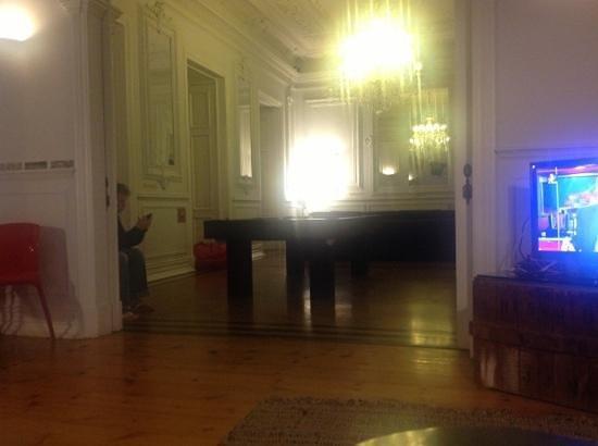 Lisb'on Hostel:                   sala grande