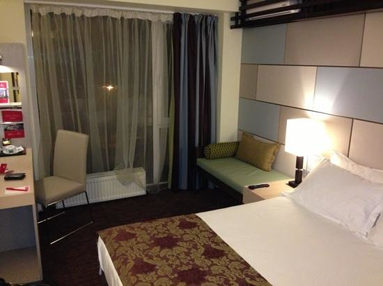 Atlas Hotel:                   standard room