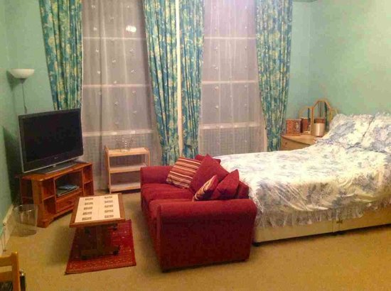 Meadowside Holiday Apartments: Flat 6 Large Studio