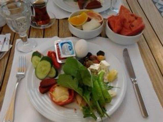 The Corner Hotel: breakfast