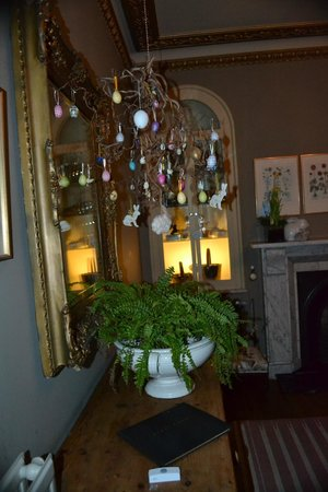 Gallon House Hotel: Easter decoration