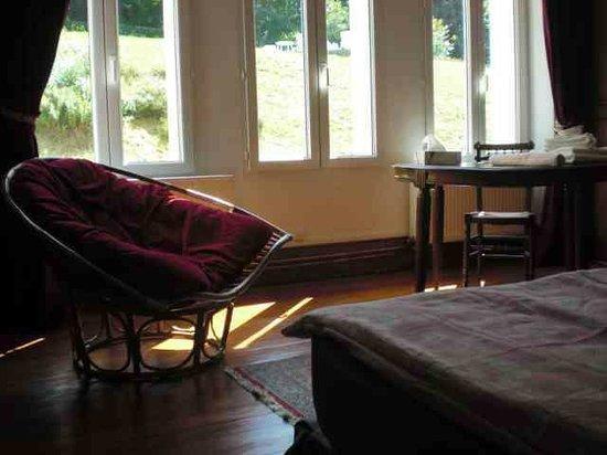 Chateau de Bonnevaux : la chambre arles