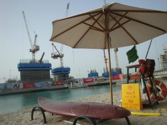 Sheraton Abu Dhabi Hotel & Resort: vue depuis la plage