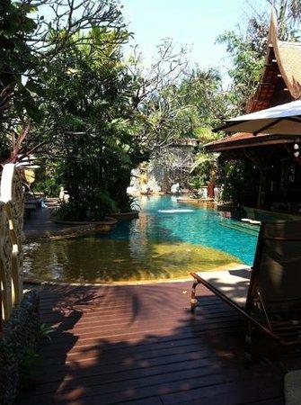 سوسدي فيليدج:                   swimming pool                 