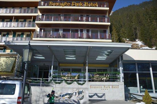 Beausite Park Hotel:                   ENTRÉE HOTEL