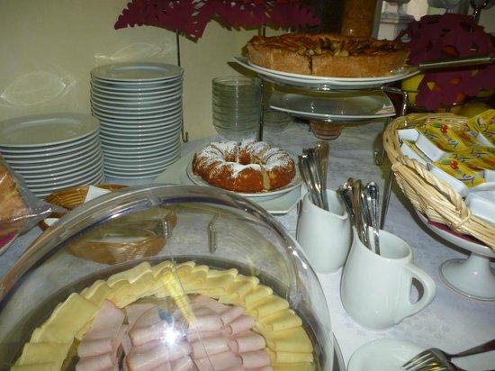 Villa Adele Hotel:                   breakfast
