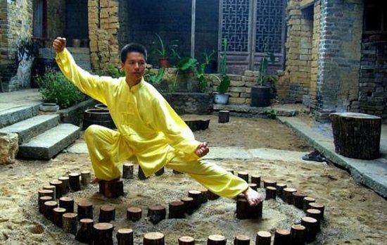 Yangshuo Traditional T'ai Chi School: Master Wu Heng Dong (Kim Wu)