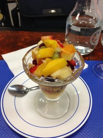 La Grece:                                     Salade de fruits maison