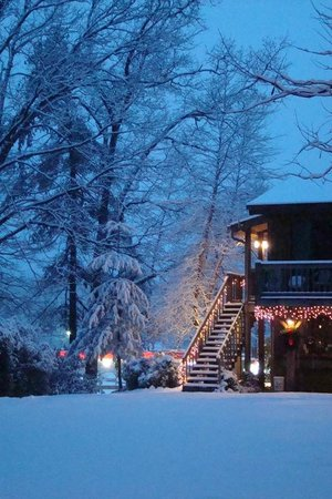 Laurelwood Inn: Winter is a great time to visit!