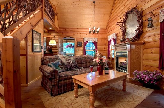 Laurelwood Inn: Log Cabin
