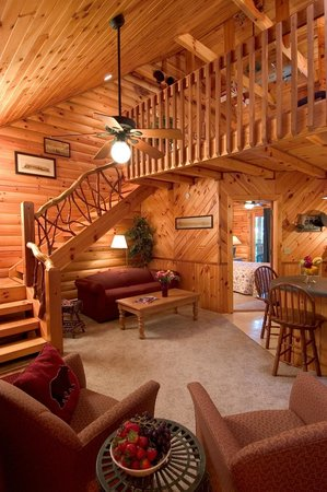 Laurelwood Inn: Log suites