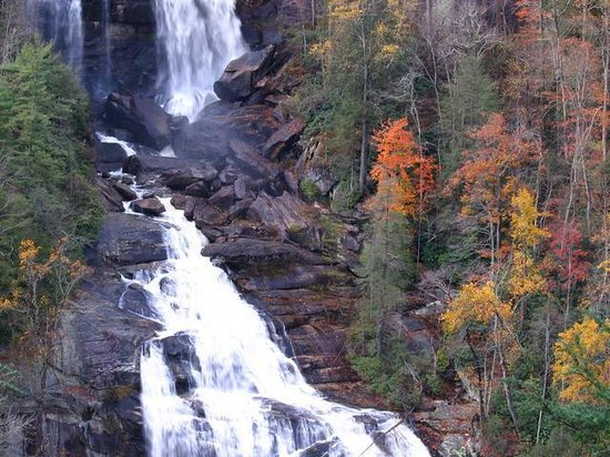 Laurelwood Inn: Whitewater Falls-one of the many beautiful waterfalls in our area!