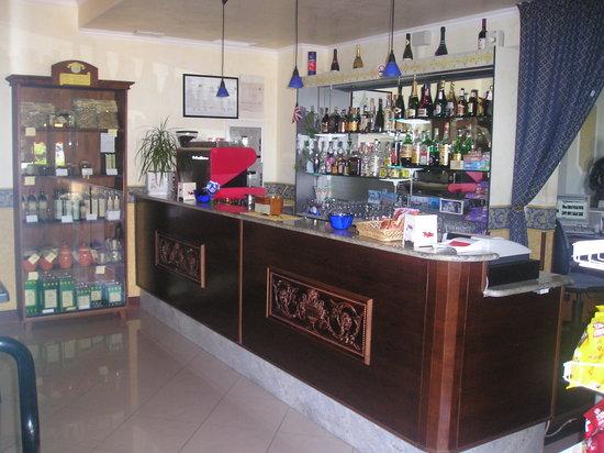 Hotel De La Ville: 4