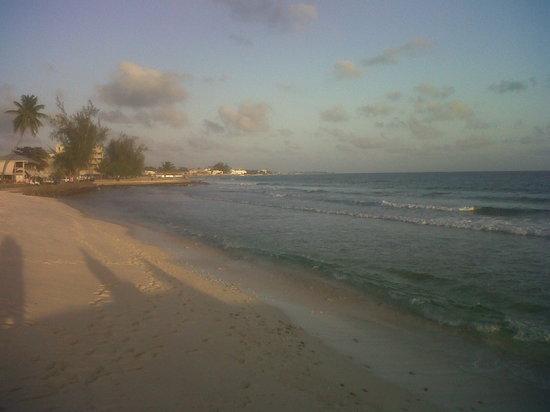 Allamanda Beach Boardwalk: Looking the other side of the boardwalk