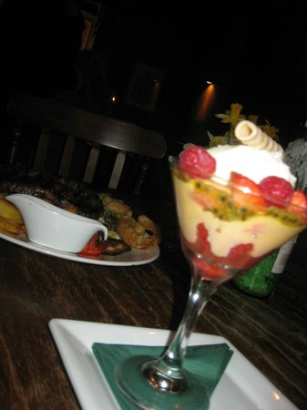 Unicorn Inn : top trifle