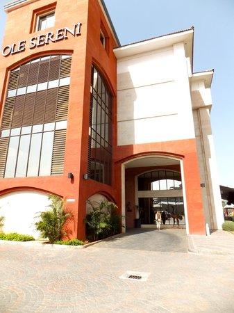 Ole Sereni:                   Hotel entrance