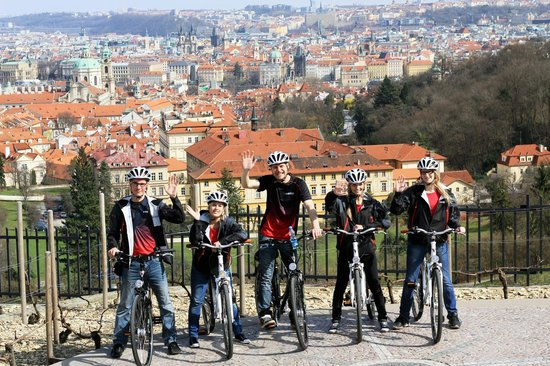 Prague E-bike tours and E-bike rental