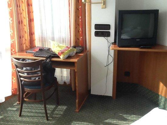 AAAA Hotelwelt Kübler: Zimmer
