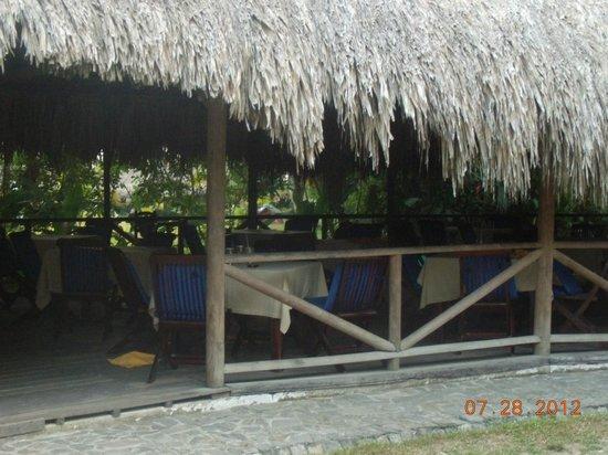 Camping Tayrona:                   zona de almuerzo/cena y desayuno