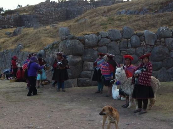 Sayacmarca:                   locals selling handicraft