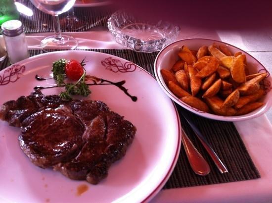 Restaurant Le Bellanda :                   bistecca e patatine