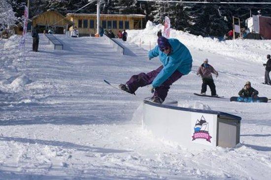 Kyustendil, Bulgária:                                                                         snowboarder