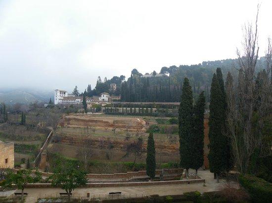 Parador de Granada:                   Vista desde la ventana de la habitaion                 