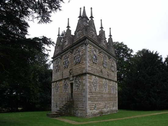 Rushton Triangular Lodge