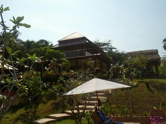Baan Taranya Resort:                   Das große Haus mit mehreren Zimmern