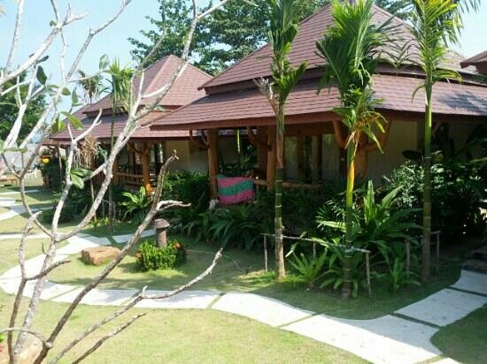 Baan Taranya Resort:                   deluxe zimmer mit seaview