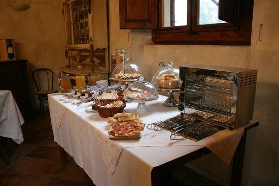 Villa Poggio Bartoli:                                     ...Il buffet della colazione...