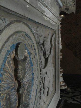 Villa Poggio Bartoli:                                     ...Un particolare della Chiesetta...