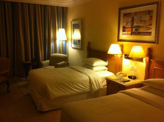 Sheraton Jumeirah Beach Resort: Sheraton Jumeirah, standard room #113