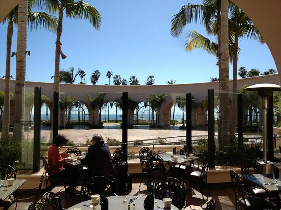 The Fess Parker - A Doubletree by Hilton Resort:                   View from the breakfast restaurant