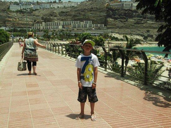 Hotel Altamadores:                   Near the Beach