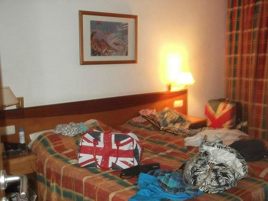 Hotel Altamadores:                   The Bedroom
