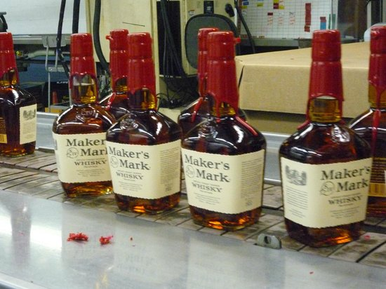 Maker's Mark: Bottles On The Line