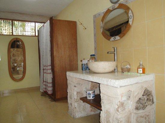 Casa Quetzal:                   Salle de bain grande et tres proptre