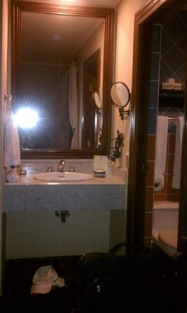 Hotel Los Robles:                   Sink outside the bathroom